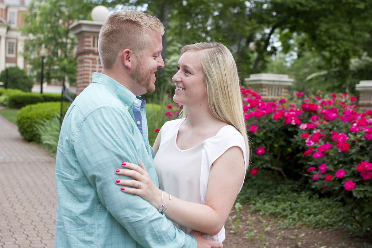 Roanoke-College-Engagement-Photos-_0004.jpg