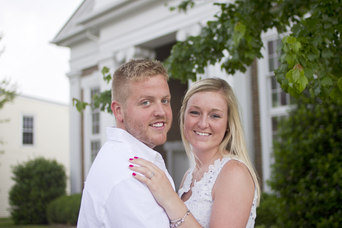 Roanoke-College-Engagement-Photos-_0015.jpg