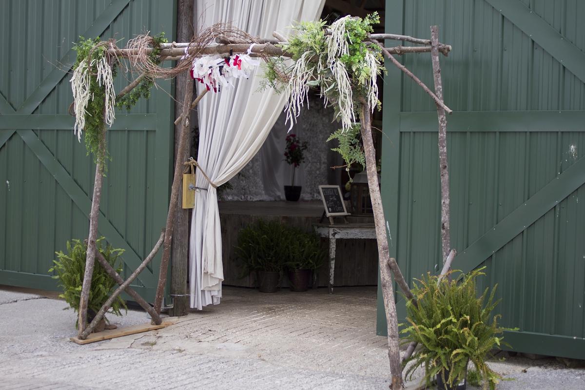 Sinkland-Farms-Christiansburg-Vintage-Circus-Wedding-_0006.jpg