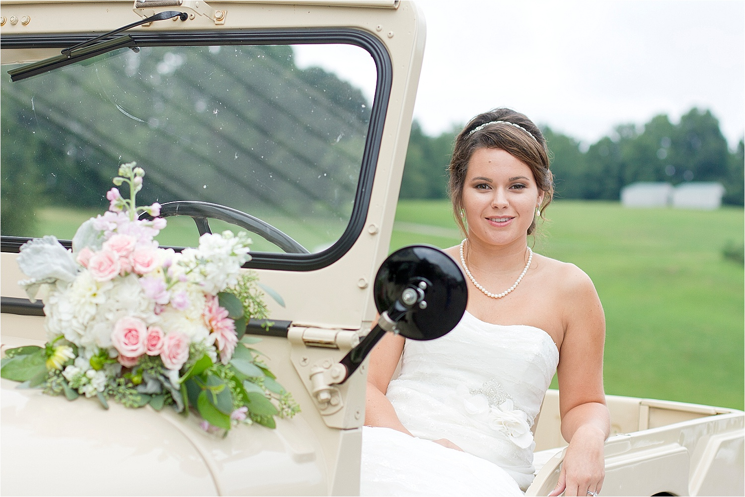 Horse-Farm-Bridal-Portraits_0005.jpg
