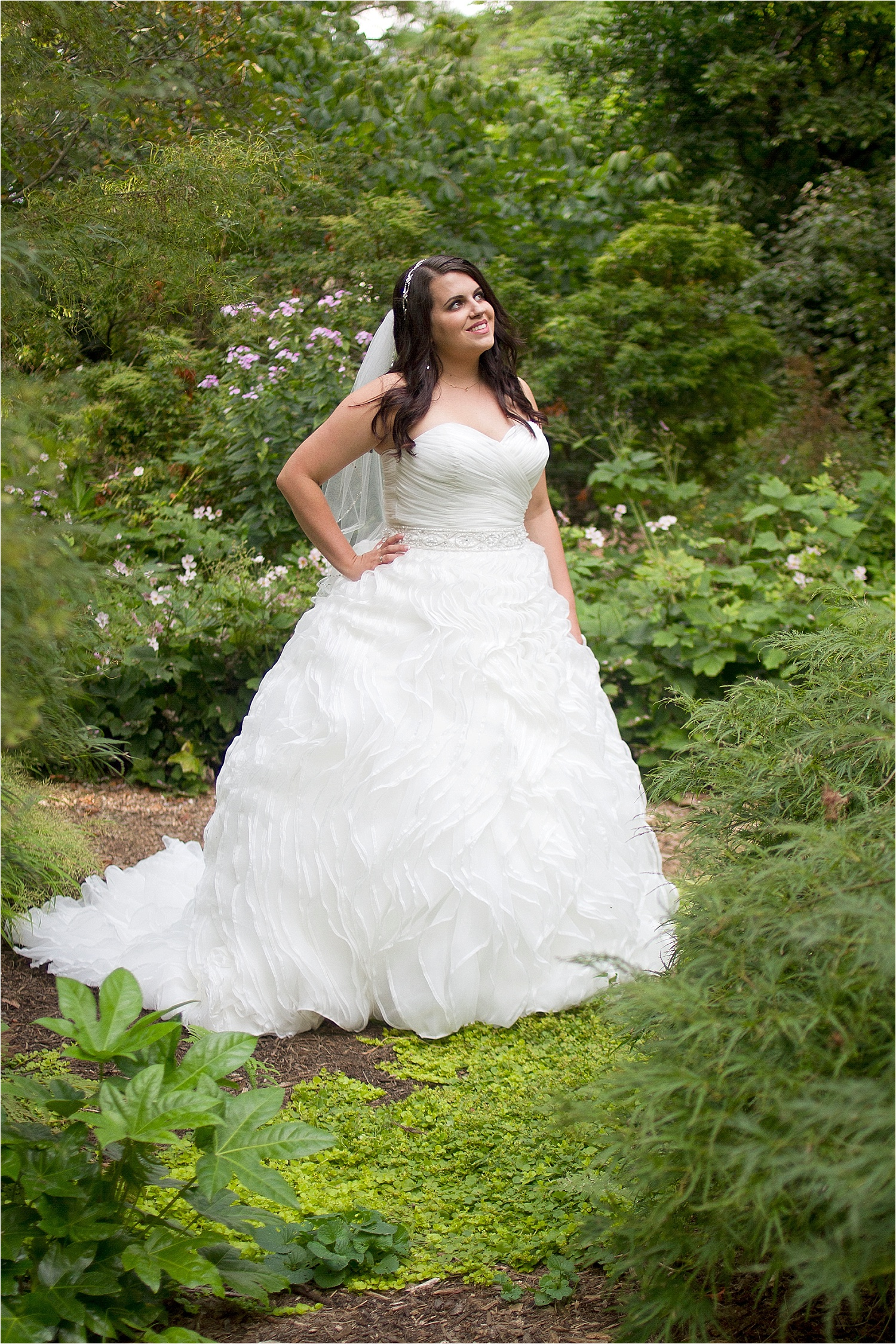 Virginia-Tech-Hahn-Horticulture-Garden-Bridal-Portraits-_0005.jpg