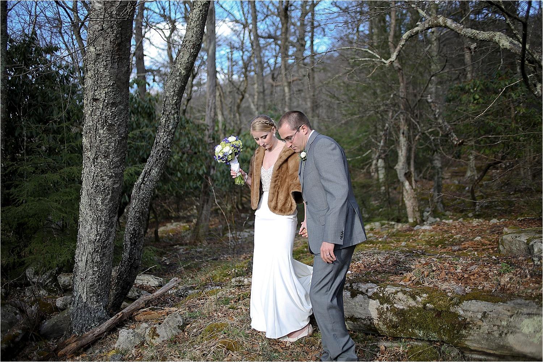 Spring-Mountain-Lake-Virginia-Wedding-Photos-0020.jpg