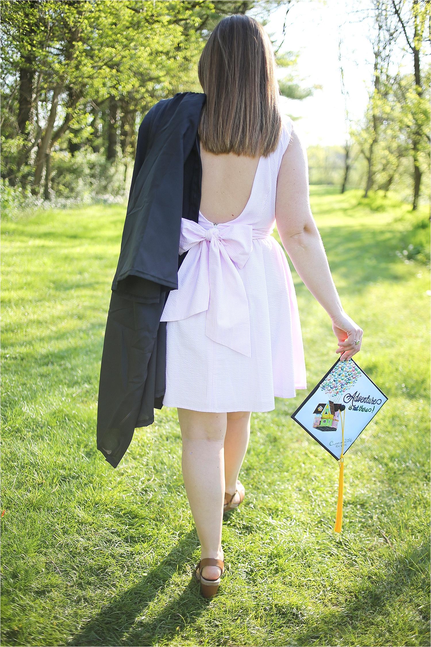 Blacksburg-Senior-Portrait-Photographer-Nursing-School-Graduation-Photos-_0011.jpg