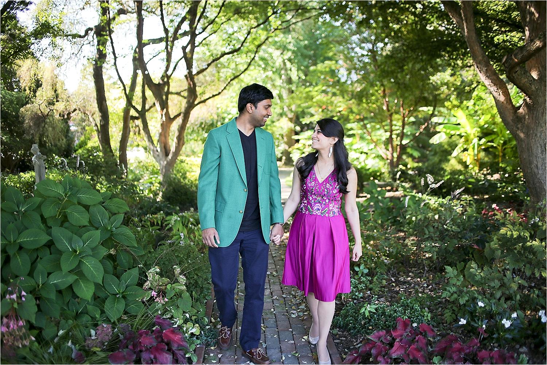 Blacksburg-Virginia-Engagement-Photographer-Hahn-Horticulture-Garden-Virginia-Tech_0003.jpg