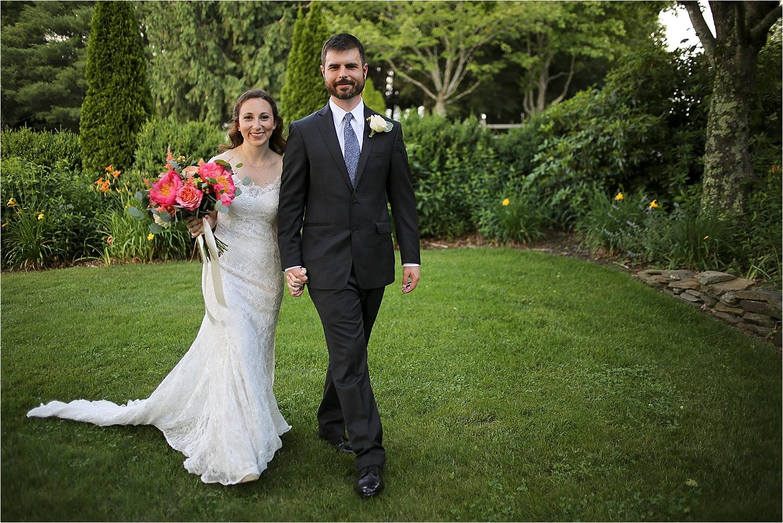 Chateau-Morrisette-Winery-Vineyard-Virginia-Wedding-Photos-_0016.jpg