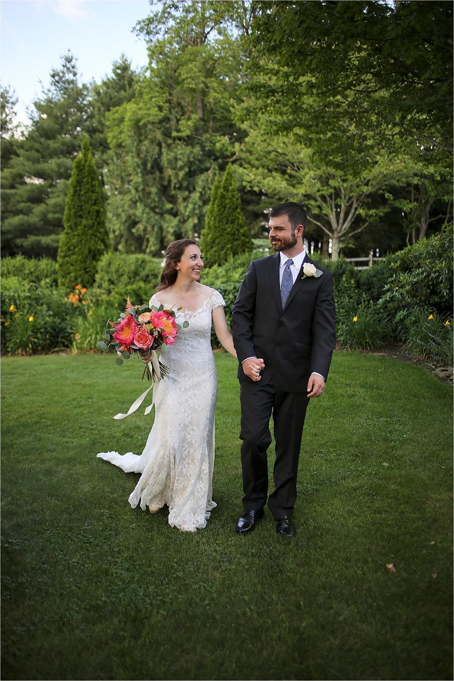 Chateau-Morrisette-Winery-Vineyard-Virginia-Wedding-Photos-_0017.jpg