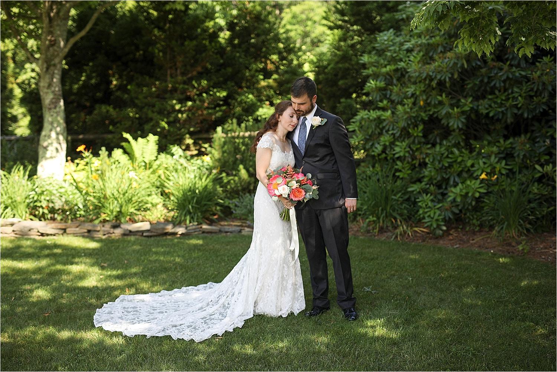 Chateau-Morrisette-Winery-Vineyard-Virginia-Wedding-Photos-_0022.jpg