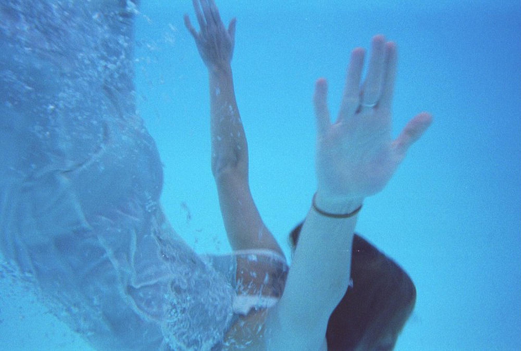 Underwater Portrait by Holly Cromer, Blacksburg Virginia Creative Portrait Photographer