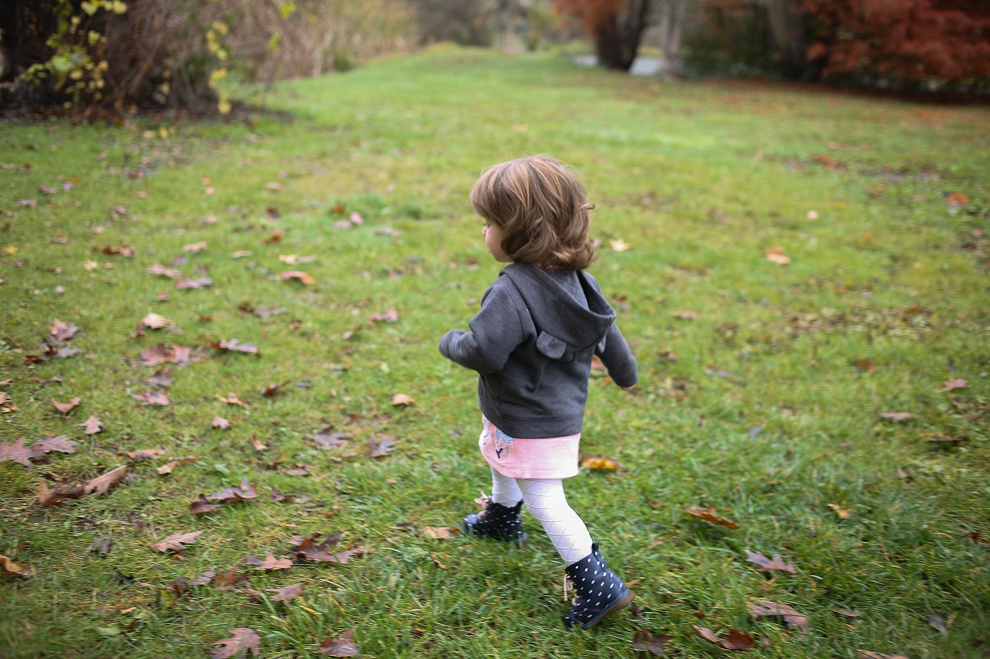 Fall Family Photos at the Virginia Tech Duck Pond | Blacksburg Family Photographer, Holly Cromer