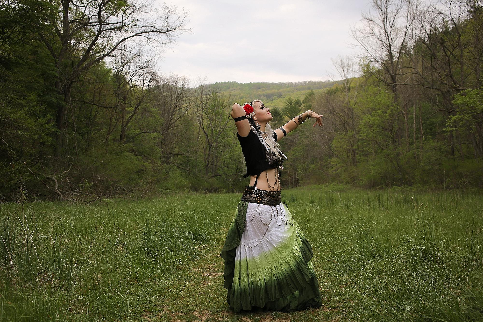 Belly-Dancing-Photos-Outdoors-Blacksburg-Creative-Portrait-Photographer_0004.jpg