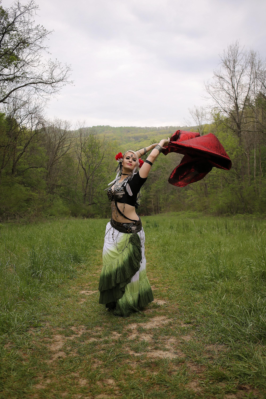 Belly-Dancing-Photos-Outdoors-Blacksburg-Creative-Portrait-Photographer_0003.jpg