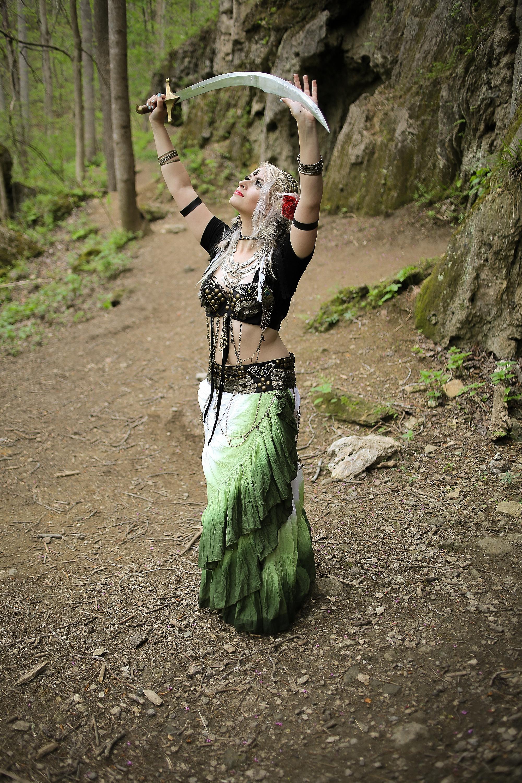 Belly-Dancing-Photos-Outdoors-Blacksburg-Creative-Portrait-Photographer_0009.jpg