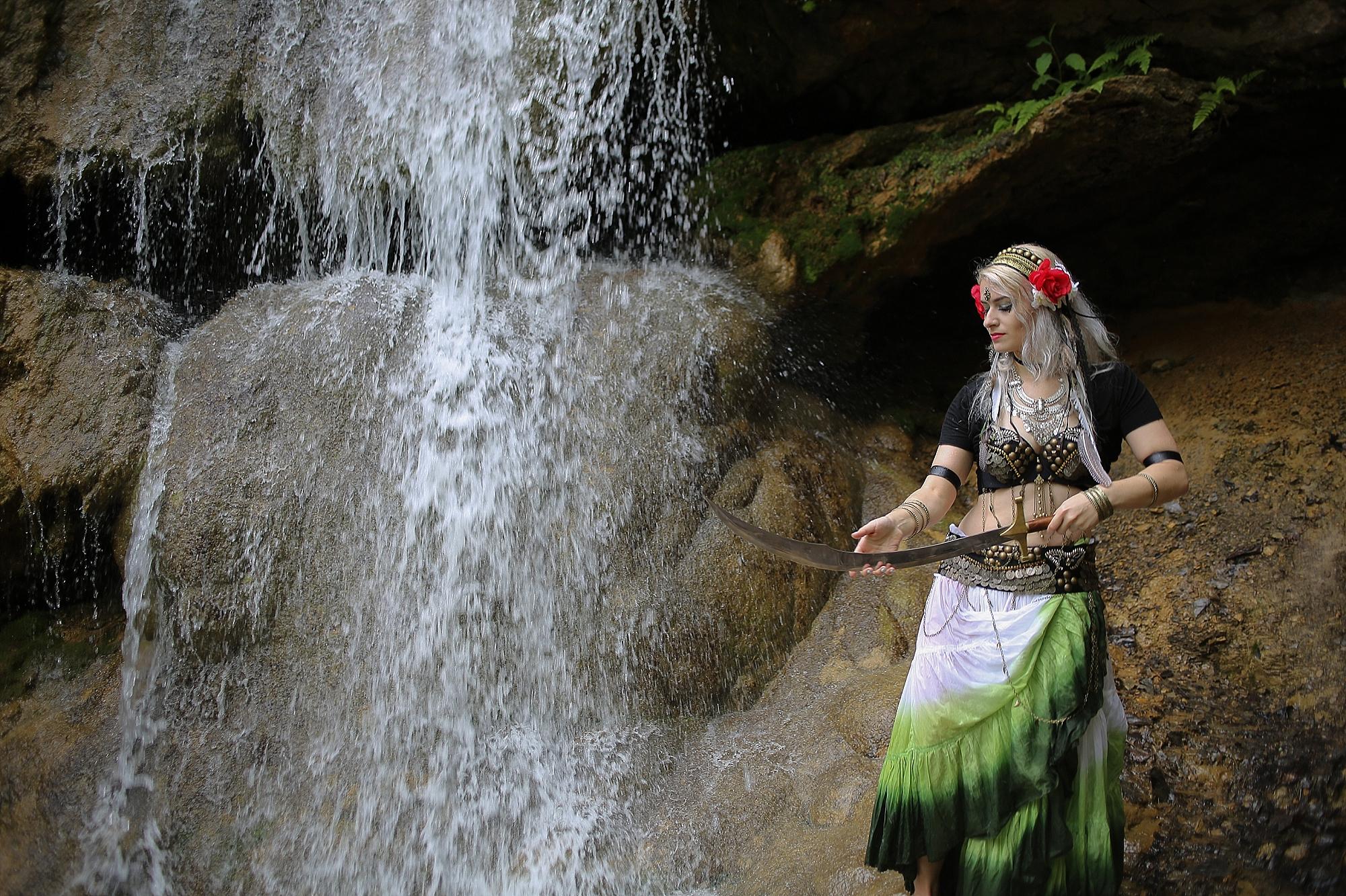 Belly-Dancing-Photos-Outdoors-Blacksburg-Creative-Portrait-Photographer_0028.jpg