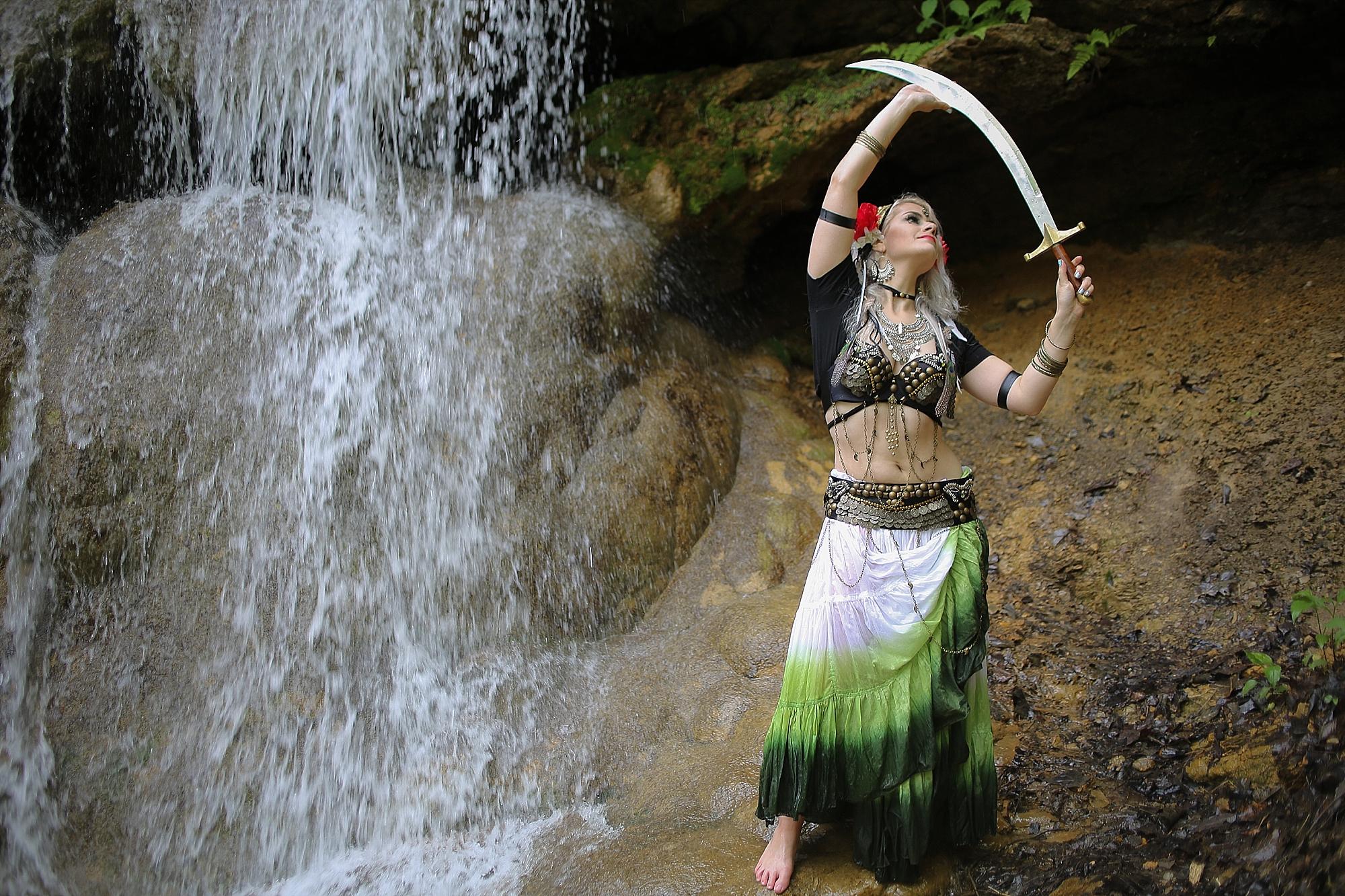 Belly-Dancing-Photos-Outdoors-Blacksburg-Creative-Portrait-Photographer_0029.jpg