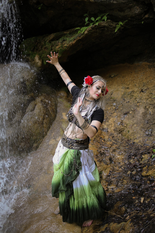 Belly-Dancing-Photos-Outdoors-Blacksburg-Creative-Portrait-Photographer_0030.jpg