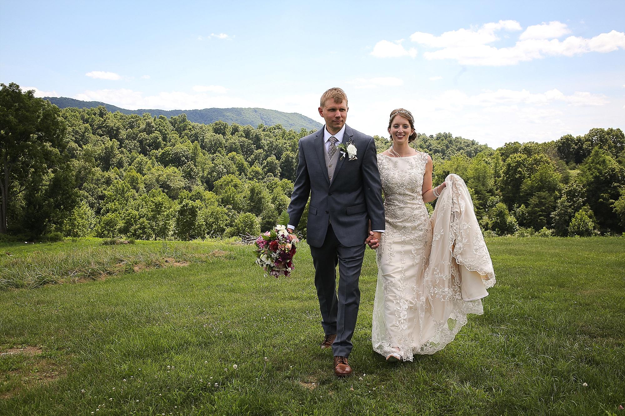 Beliveau-Estate-Winery-Wedding-Photos-Blacksburg-Wedding-Photographers_0045.jpg