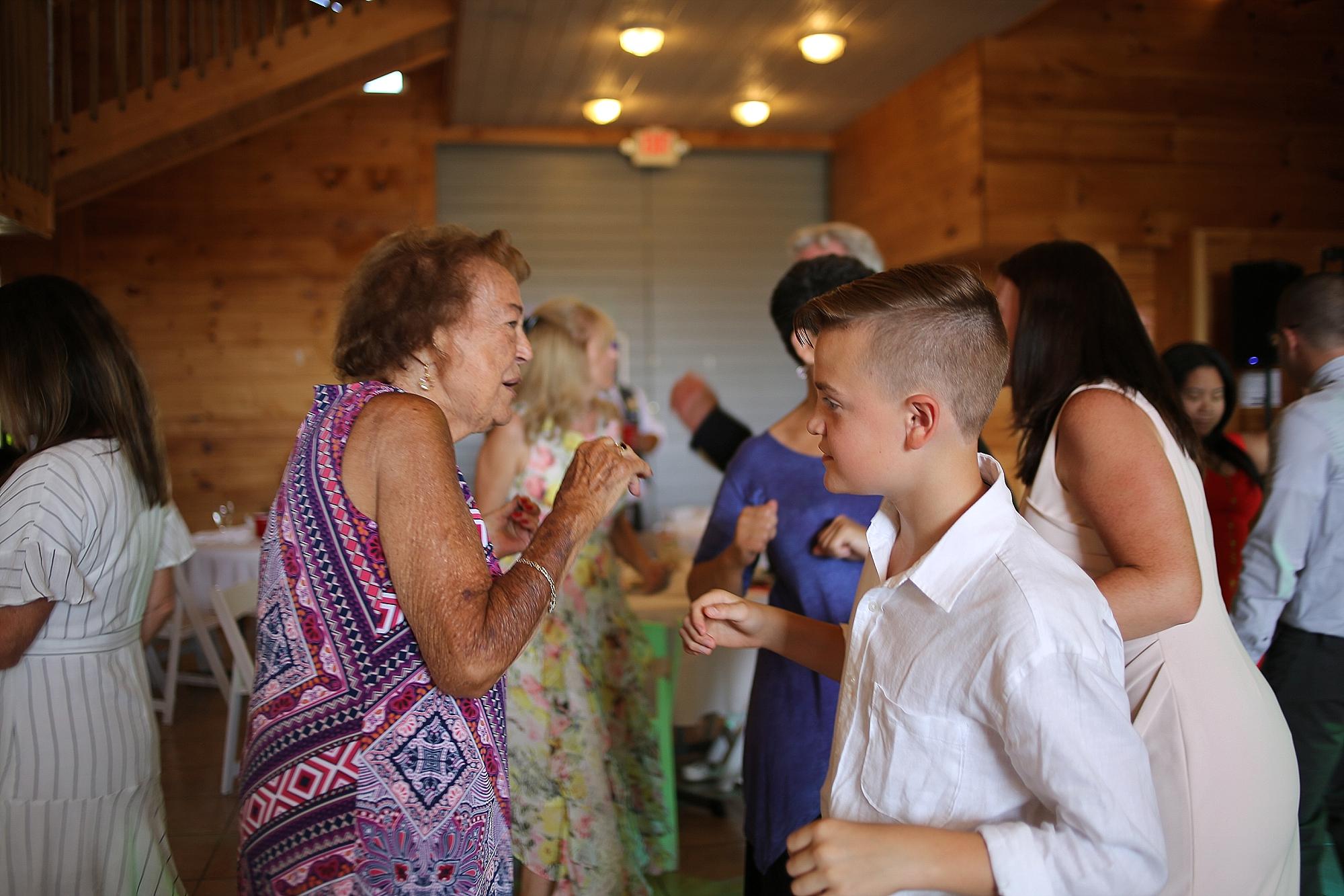 Beliveau-Estate-Winery-Wedding-Photos-Blacksburg-Wedding-Photographers_0067.jpg