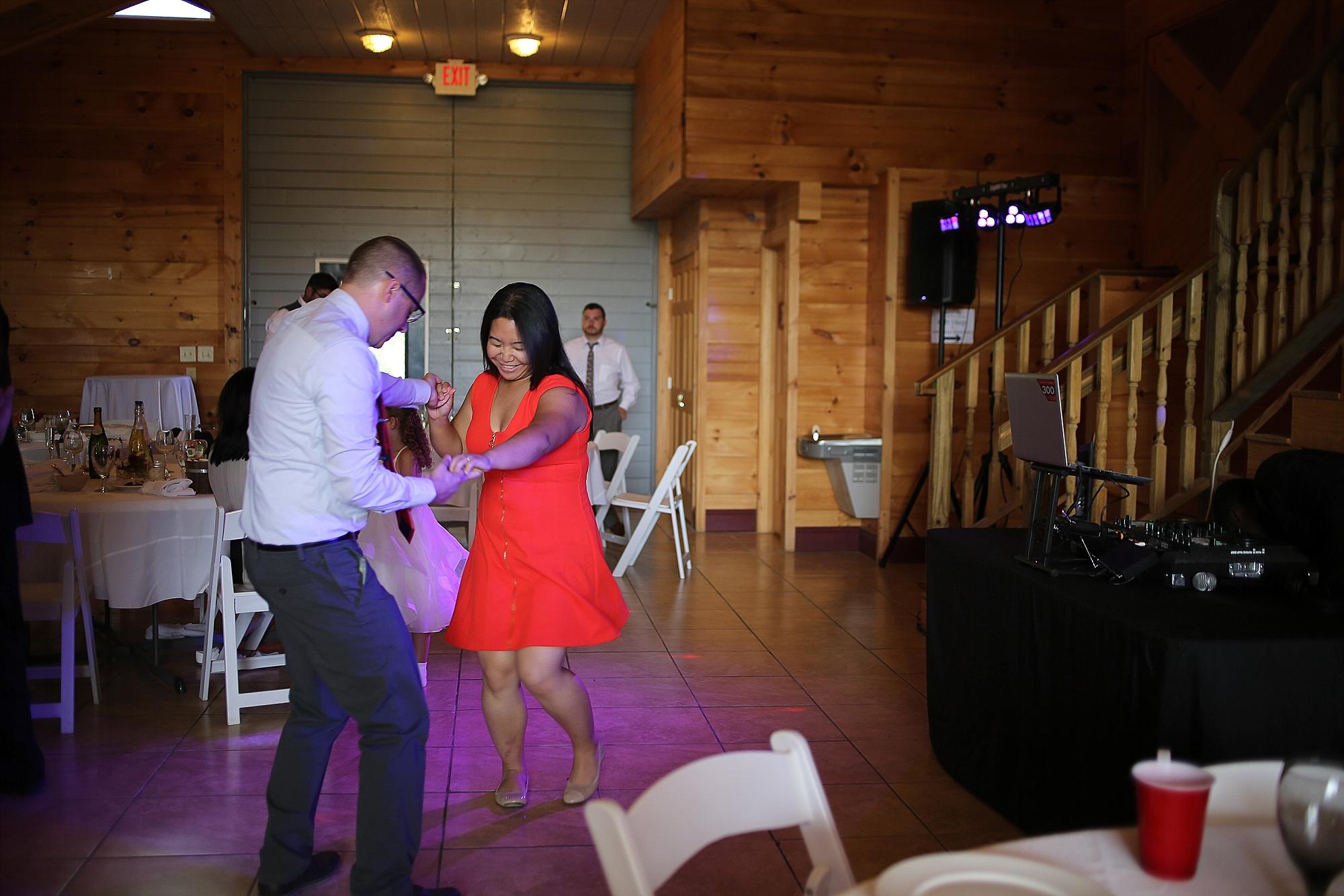 Beliveau-Estate-Winery-Wedding-Photos-Blacksburg-Wedding-Photographers_0068.jpg