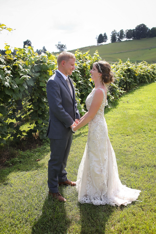 Beliveau-Estate-Winery-Wedding-Photos-Blacksburg-Wedding-Photographers_0071.jpg