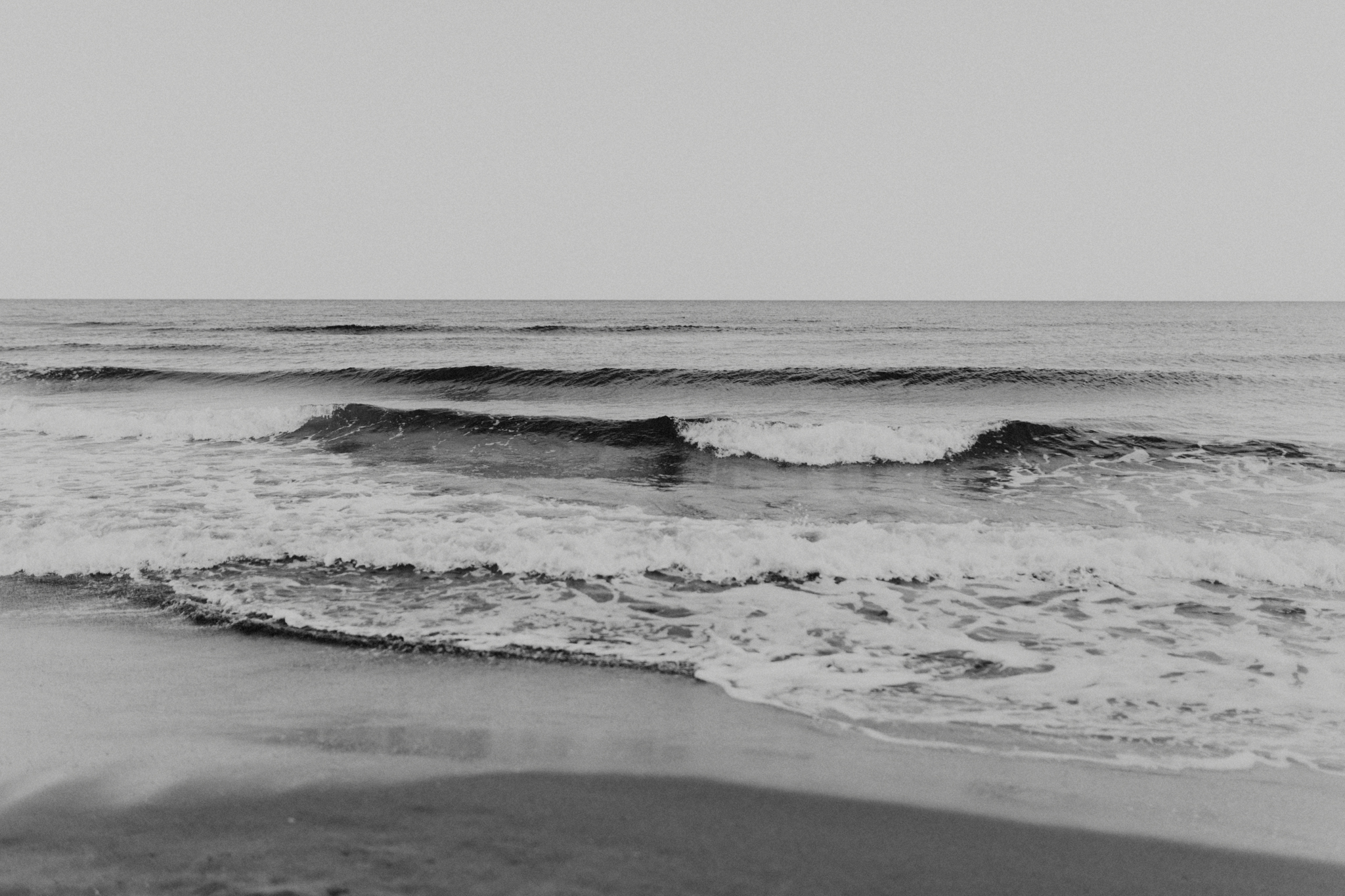 spain_beach_engagement-3.jpg