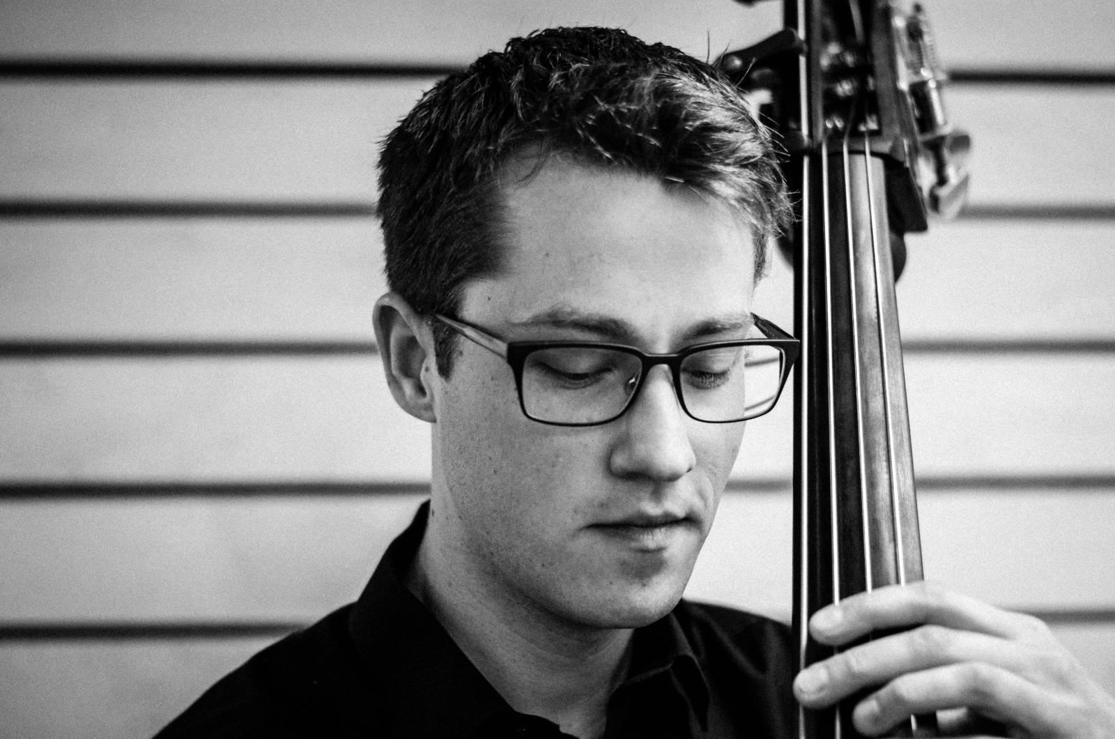 Sam Loeck, double bass