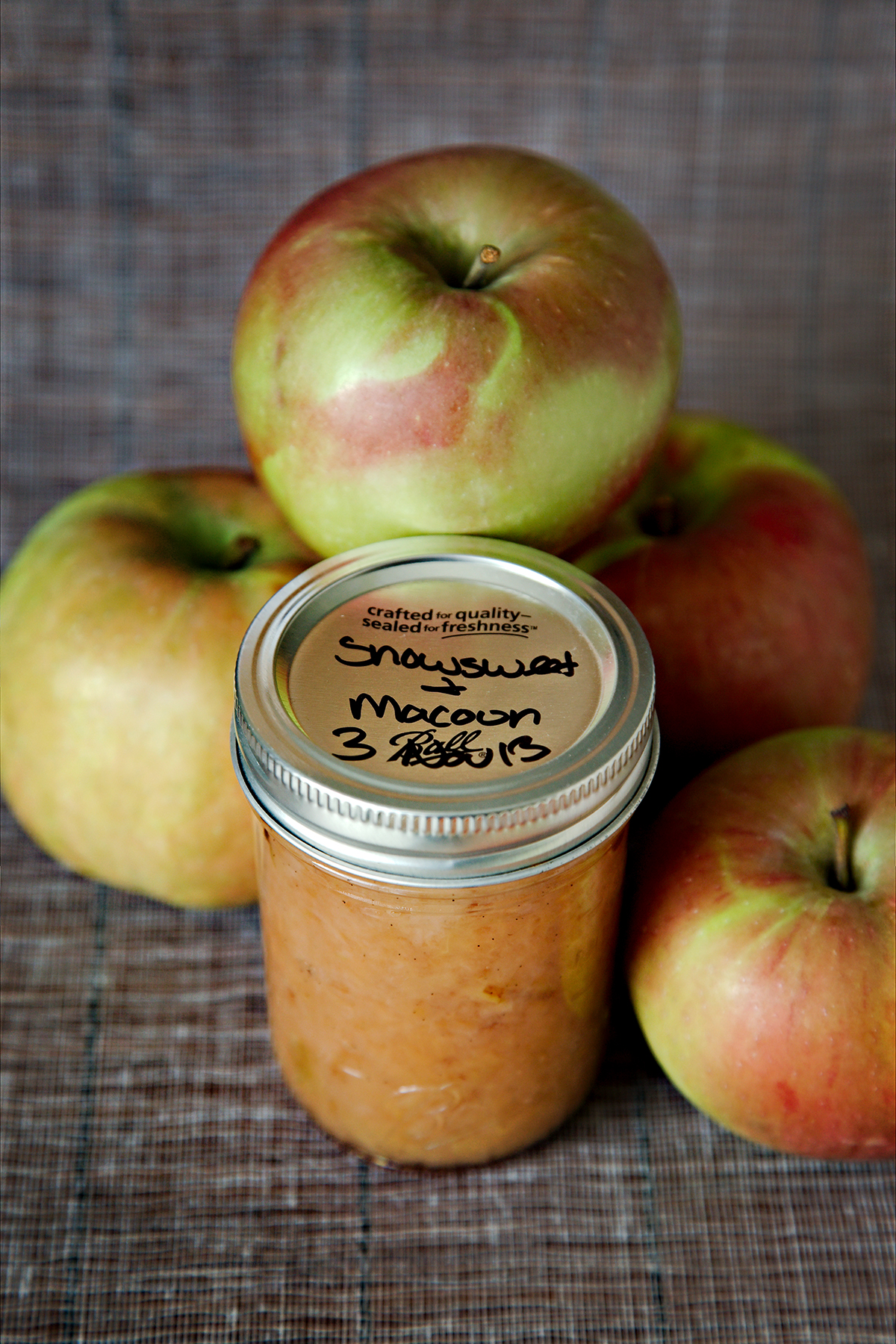 8.  Easy Crock-Pot Applesauce