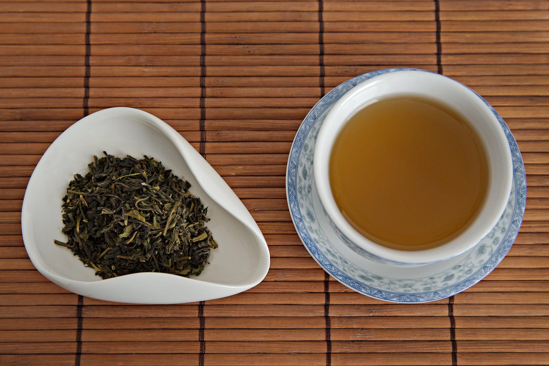 Tea Review: Organic Premium Green Tea - Golden Tips