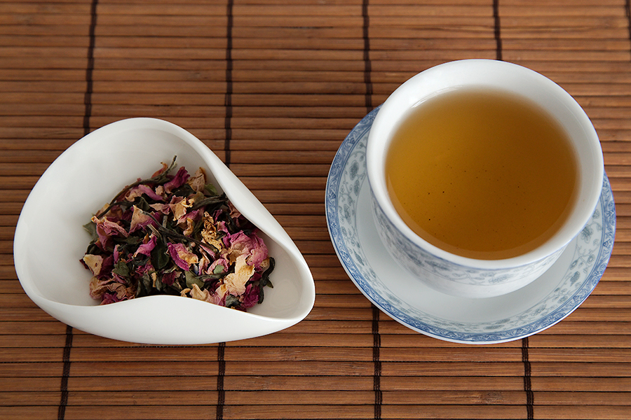 Tea Review: White Tea Rose Mélange - Rishi Tea