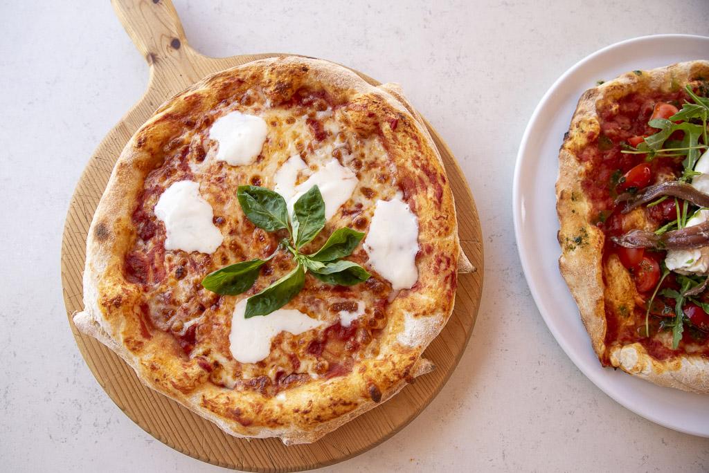 pizza-napoletana-ristorante-cuma-bagno-balmor-cervia-1.jpg