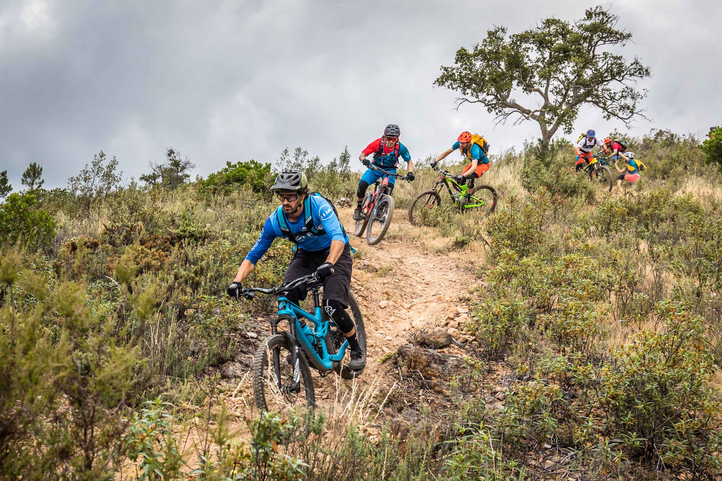 GROUP TOUR 40€ - Min. 6 riders (for organized groups only), up to 3h ride. Add 40€/50€ for a standard/electric full suspension enduro rental bike and protection gear.