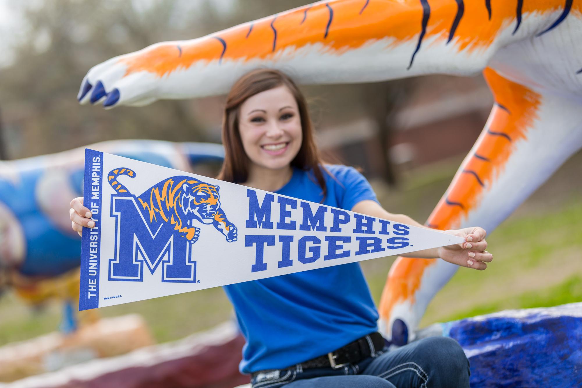 Memphis Graduation Pictures- Key Elements-5.JPG