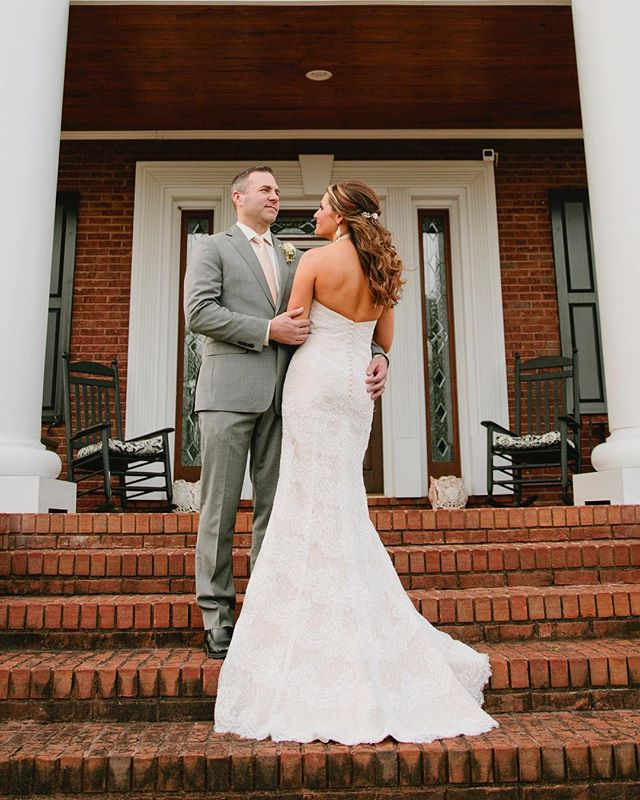 Turned out to be a beautiful day for this couple with weather in Ga it's up in the air to what kind of day we will get !!! #brideandgroom #atlantaweddingphotographer #stillpearlphotography #georgiaweddingphotography #lisacruikshank #thebarnatdunnmanorweddingvenue