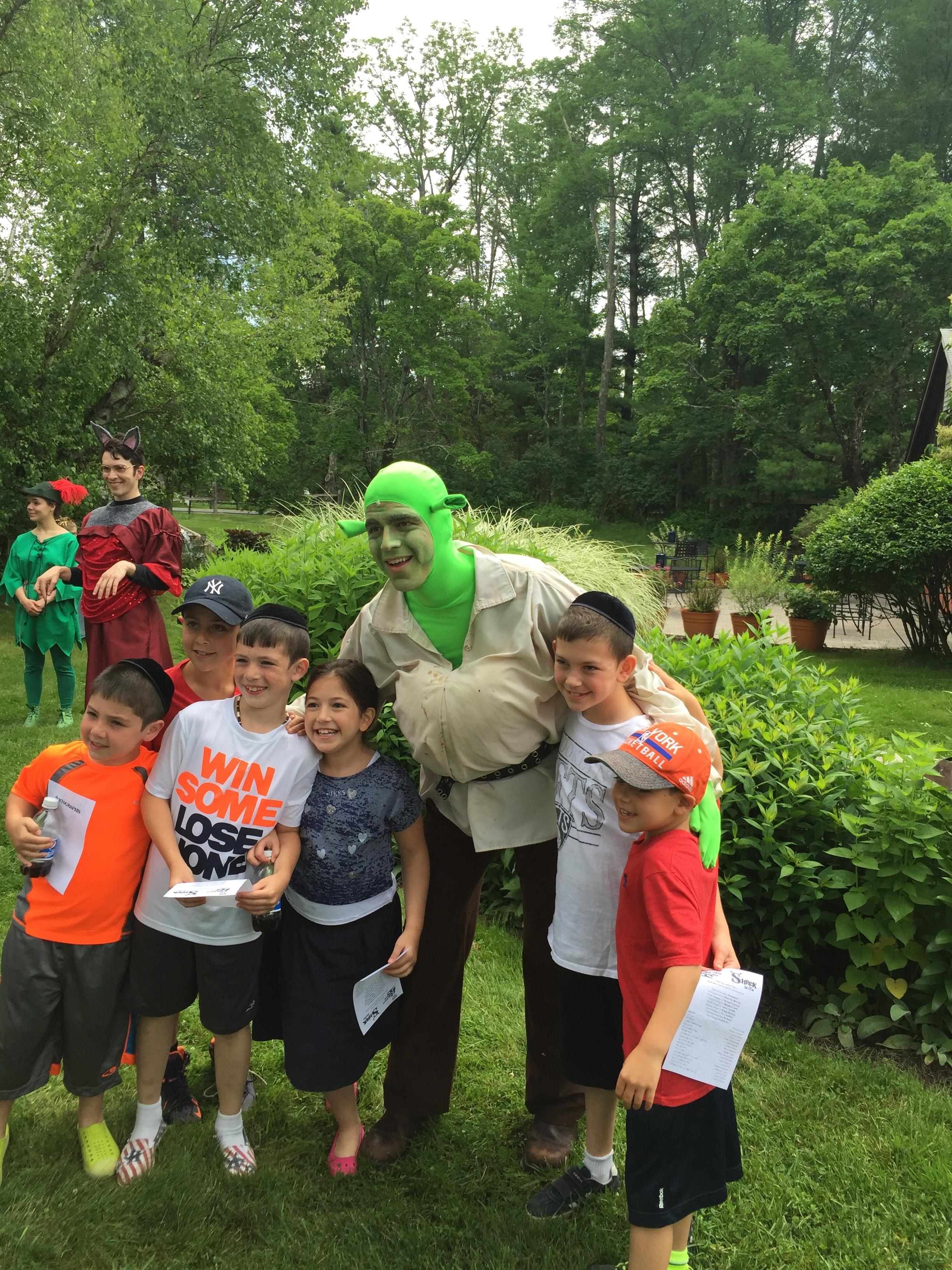 Shrek and Kids 3.JPG