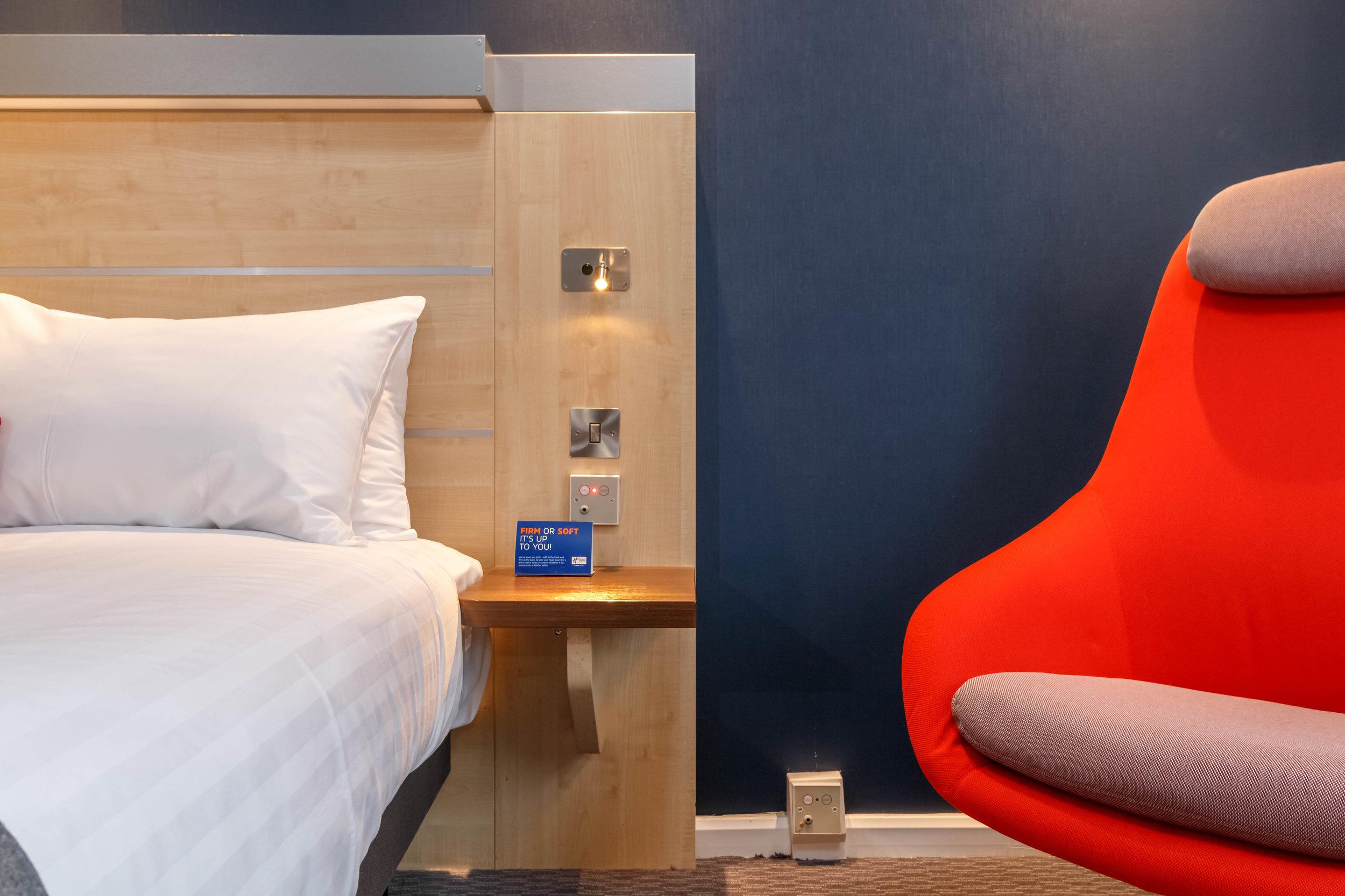 Holiday Inn Express Walsall Room Types 005.JPG