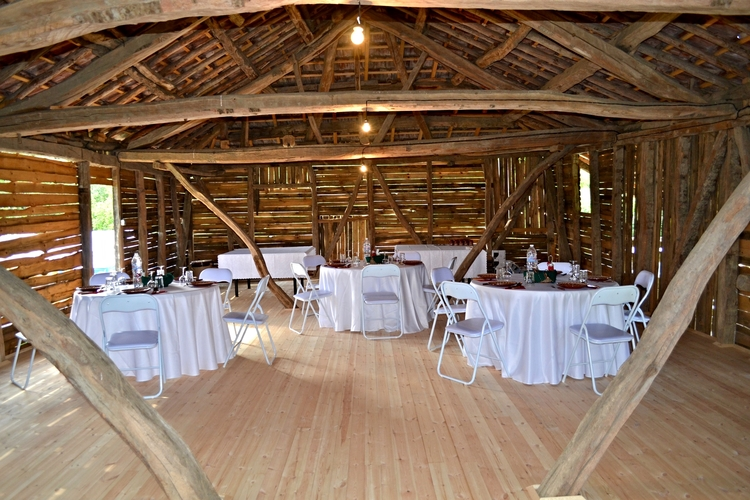 300 square meter fully restored barn (Yoga studio, events, weddings, classroom space)