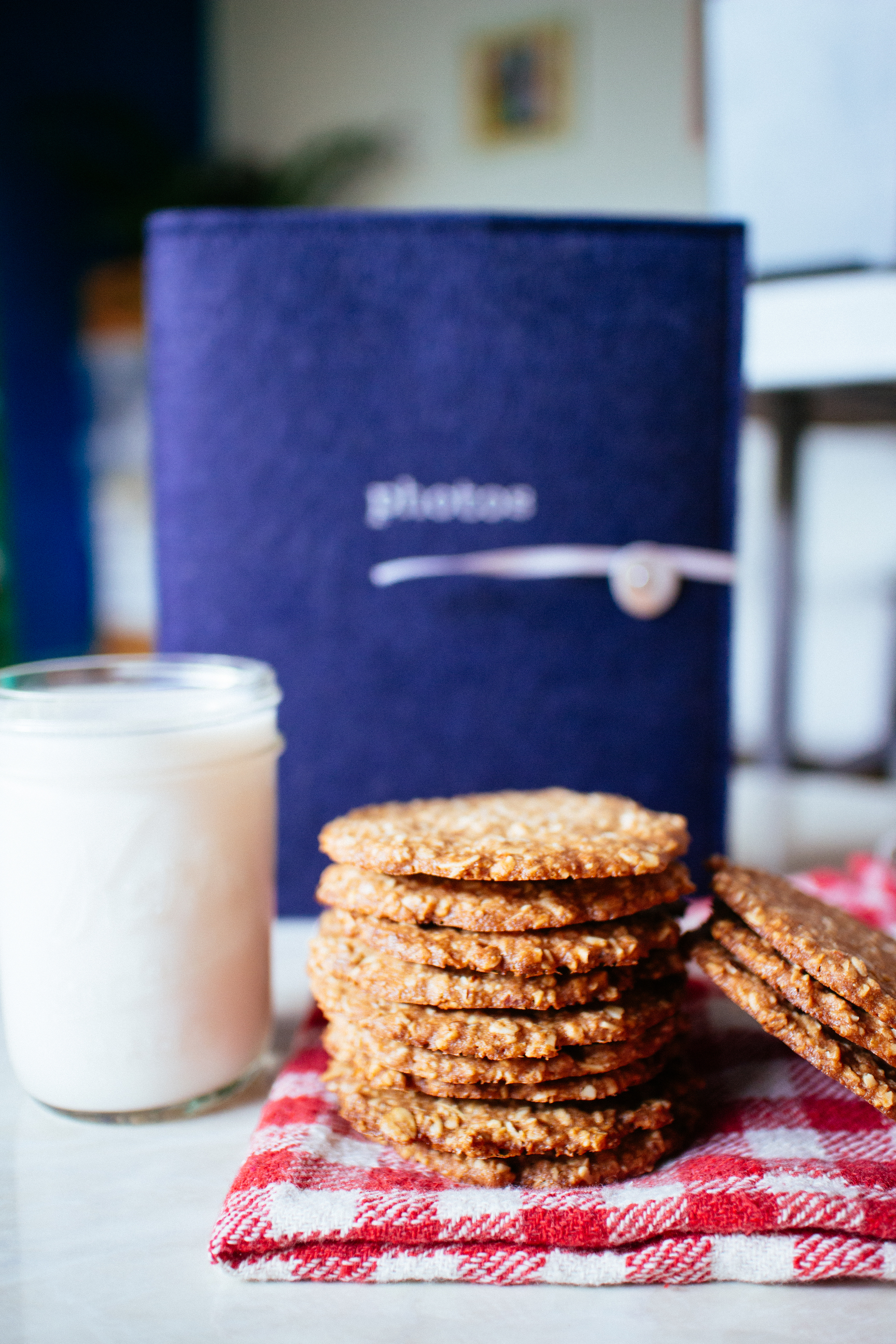 vegan oat cookie