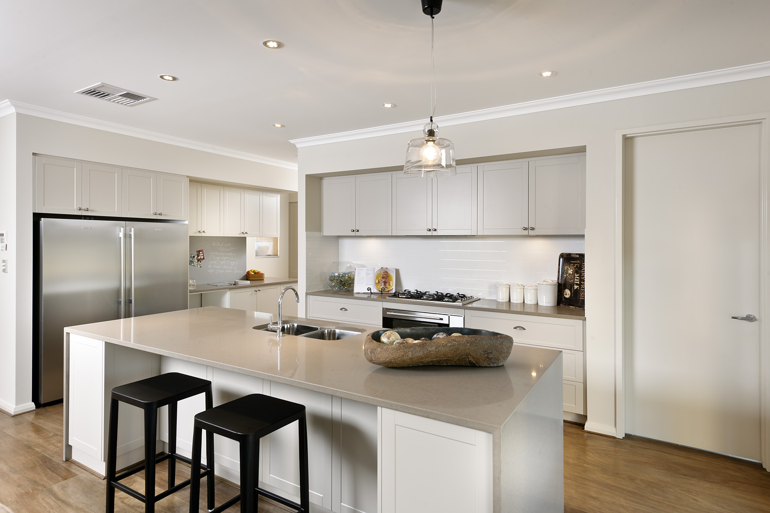Cohesive colours are possible in all TR kitchens