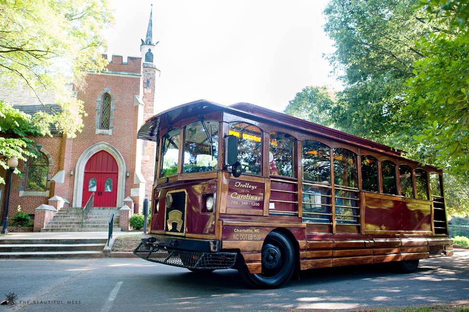 Vintage trolly to Charlotte wedding