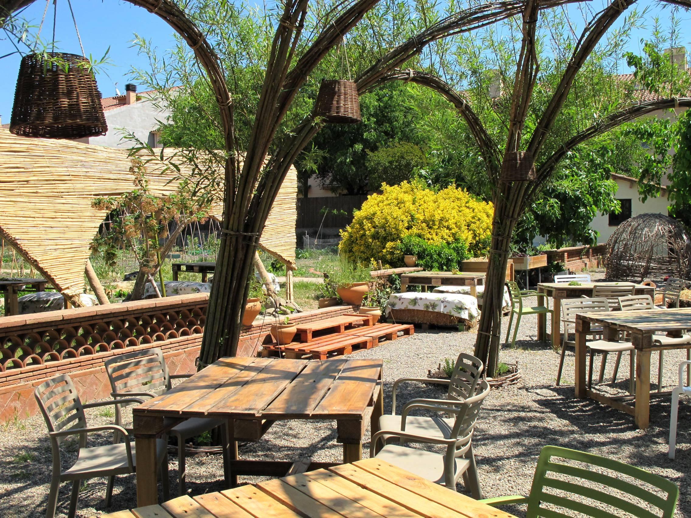 A partir del mes d'abril ja podràs gaudir de la terrassa del restaurant EsBioesfera.