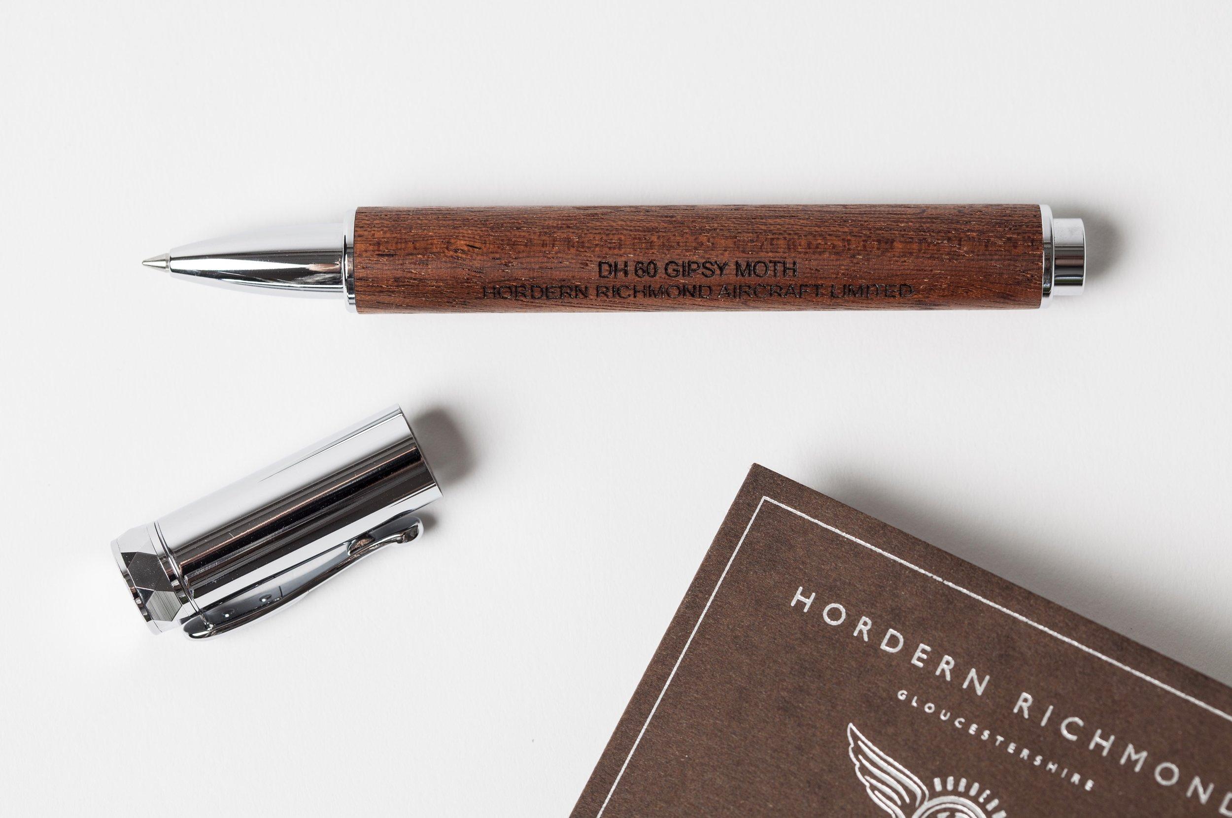 Gipsy Moth Pen