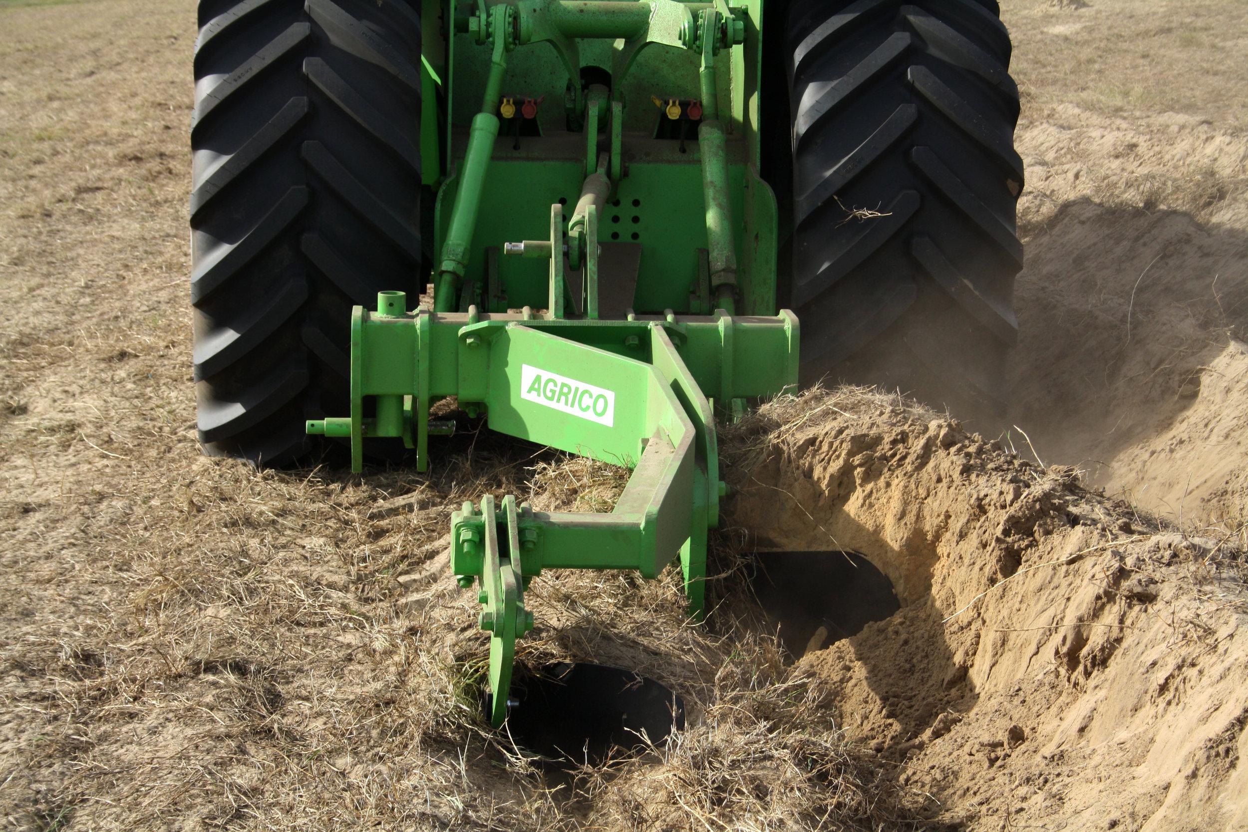 FMG Delving Plow