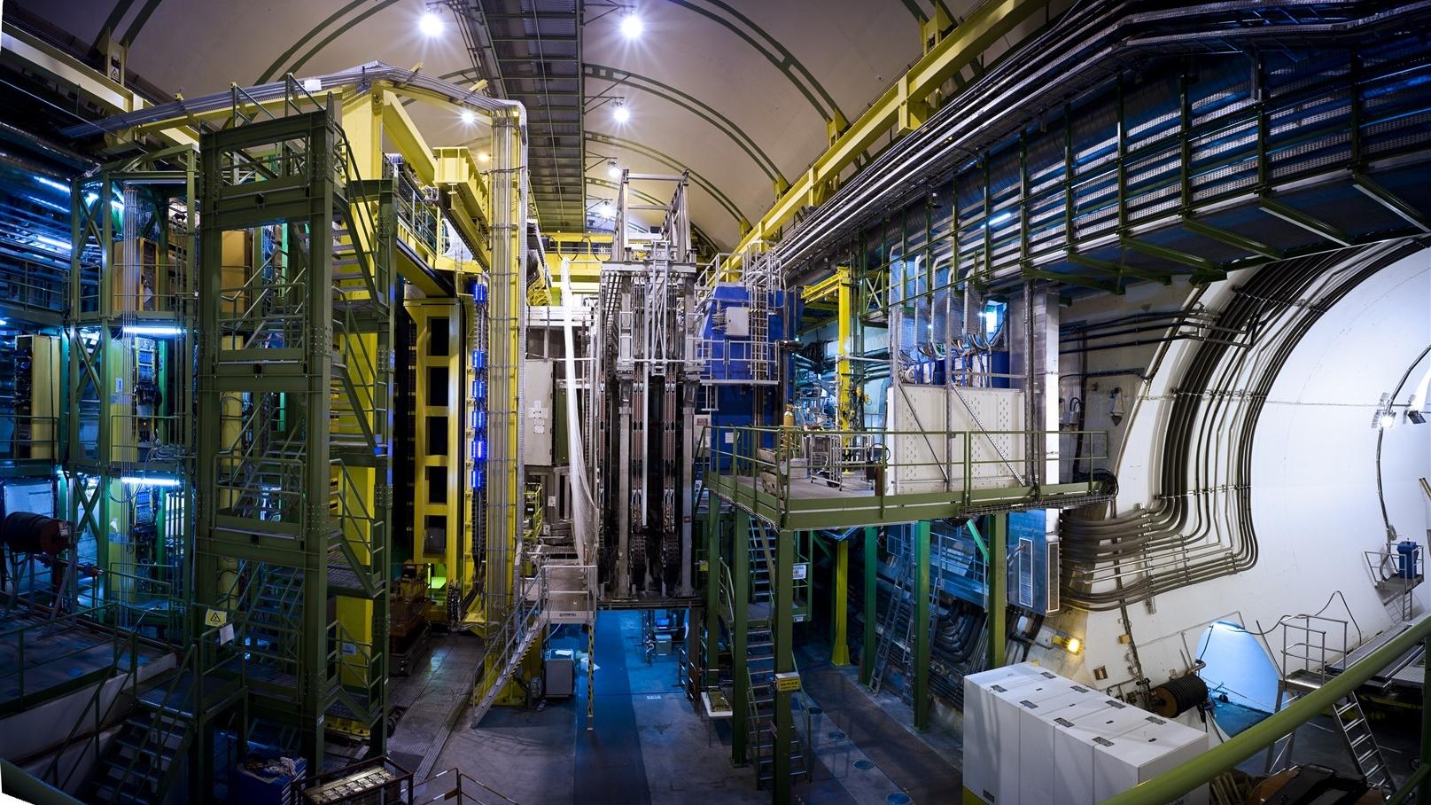 Image  © CERN 2009-2015,   CERN-EX-0905070, source:   https://cds.cern.ch/record/1178706