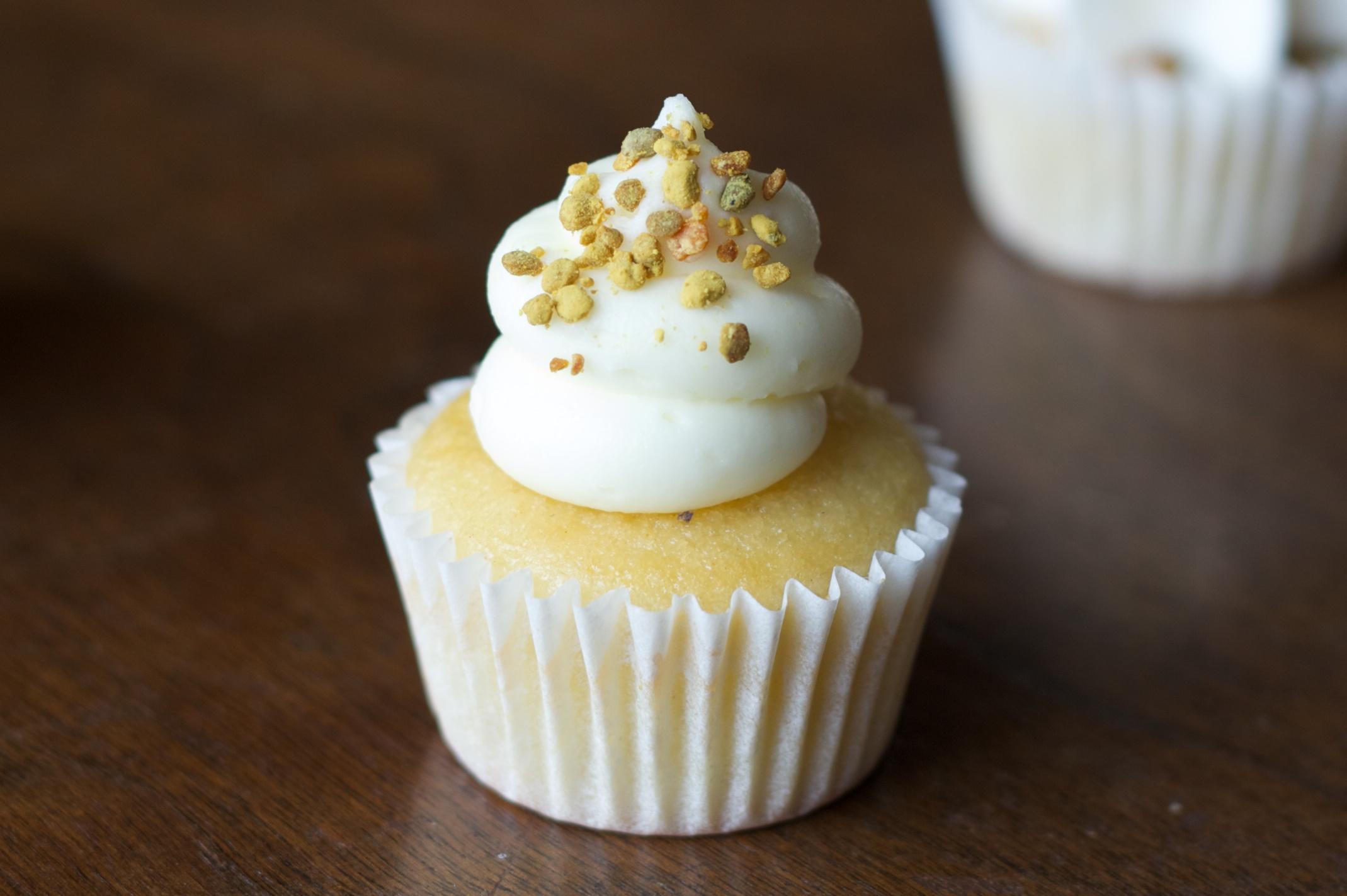 cupcake-BeesKnees-690x425-250x180.jpg