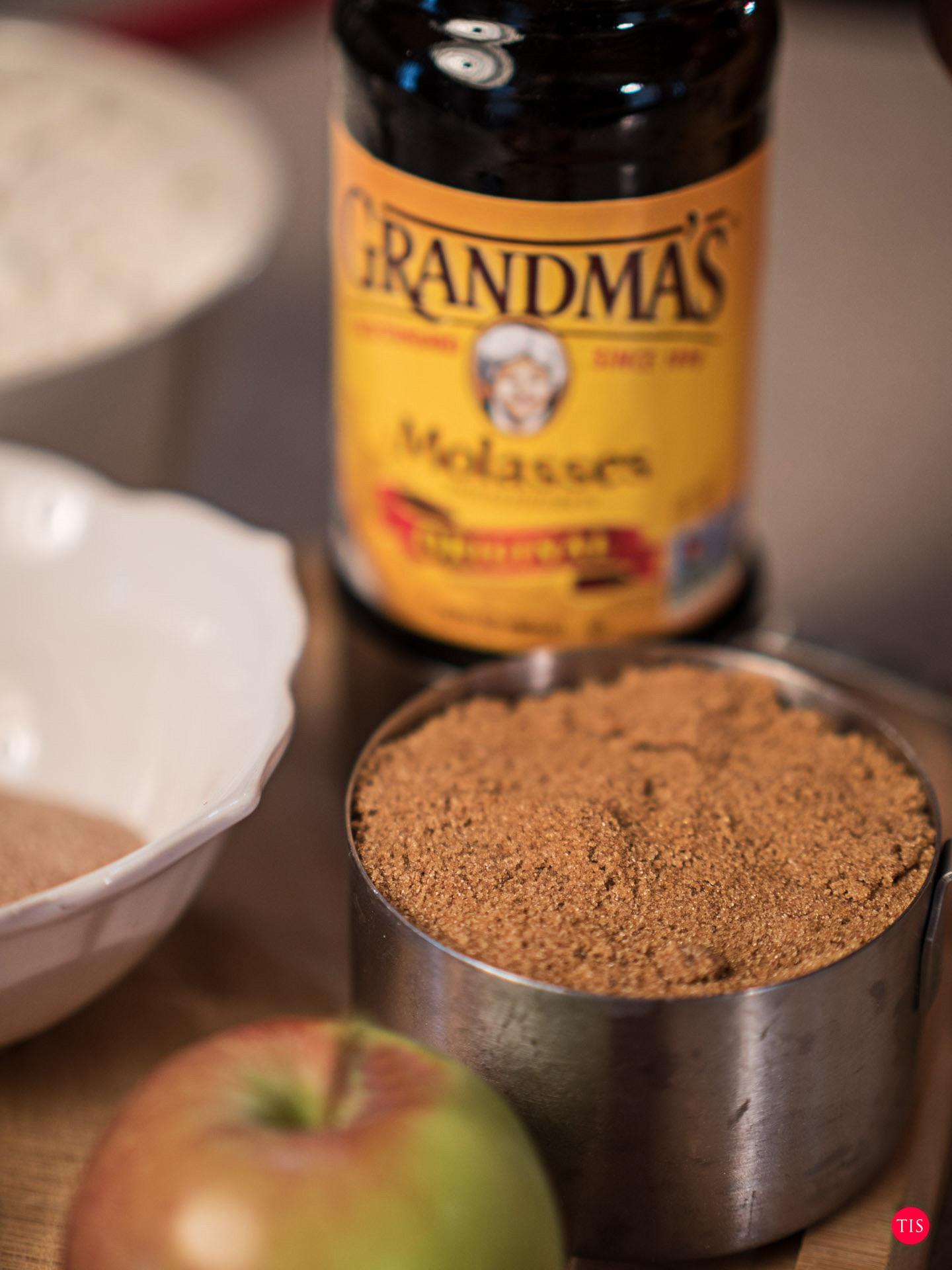 Grandma's Molasses - 1 Cup Firmly packed Brown sugar