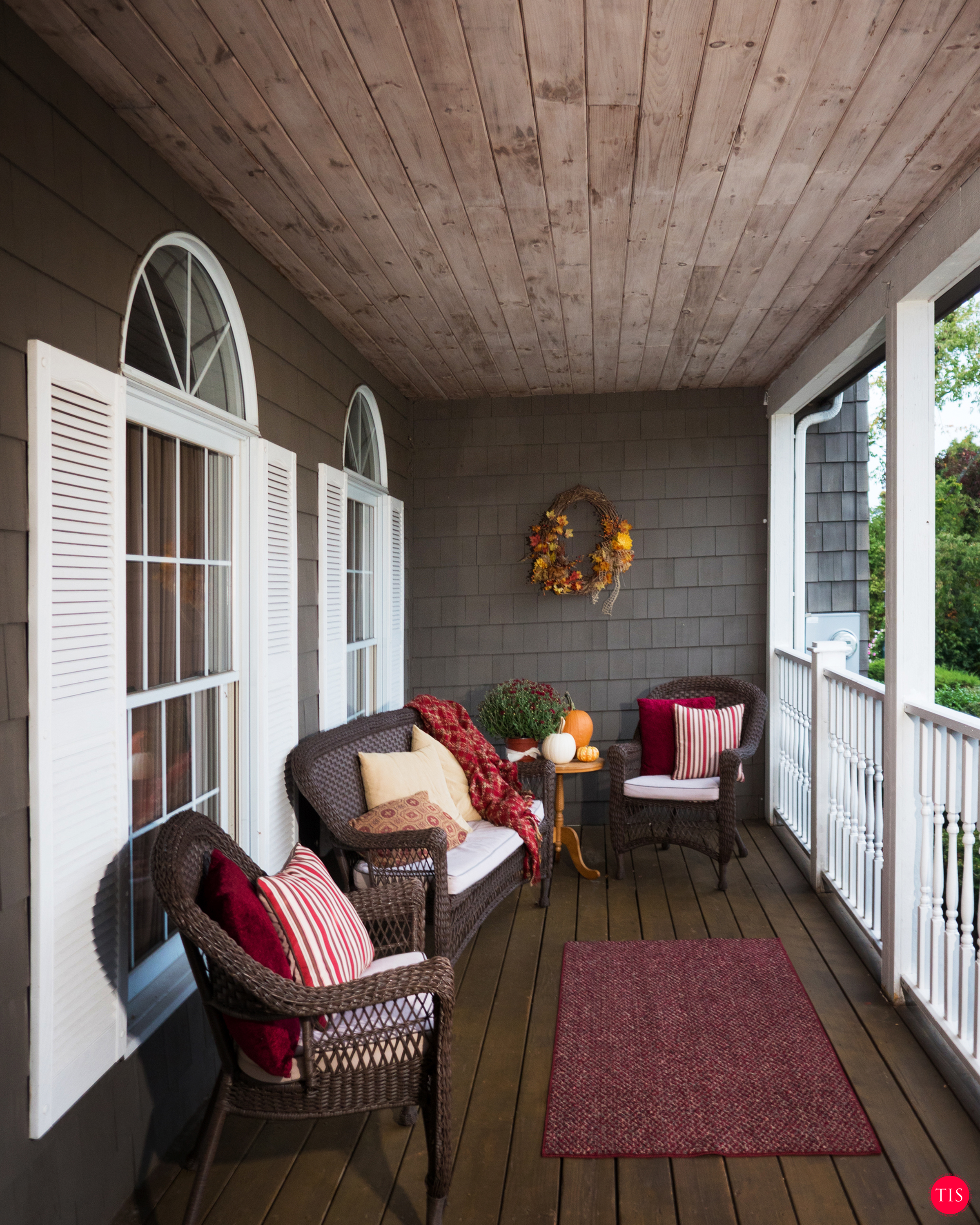 Outdoor Funiture and Decor for the Porch