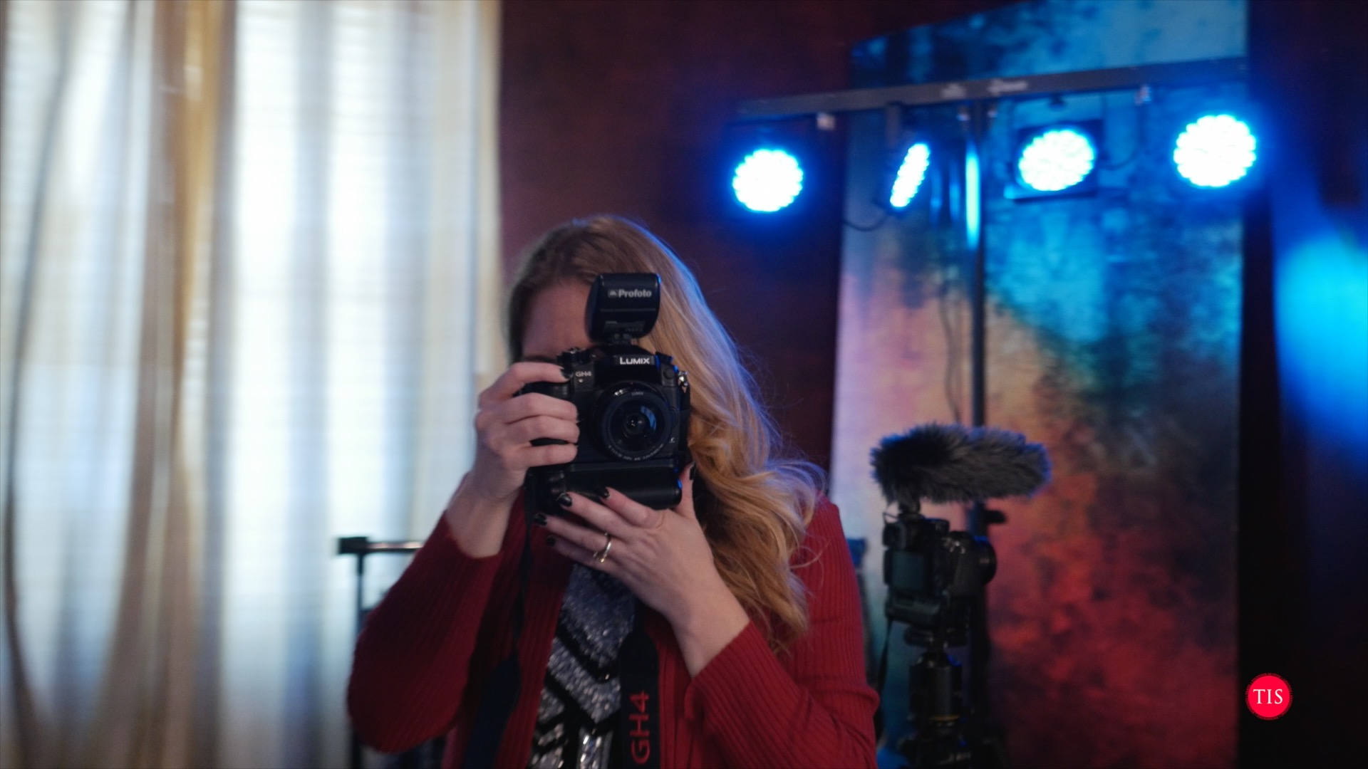 Jennifer Maring in the studio photographing with a Lumix GH4