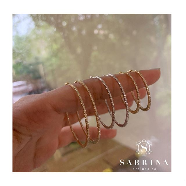Brighten up any outfit with these stunning inside-out hoops 😍  DE15004 YG DE15003 WG DE15002 YG • • • • • #SabrinaDesigns #diamondbracelet #finejewelry #diamondbands #diamondsareagirlsbestfriend #diamondbangles #Sabrina #14K #diamondsandgold #jewelry #thinhoops #diamondhoops #goldjewelry #jewelrygoals #linkbracelet #sparkle #giftideas #gift #bling #pinkgold #yellowgold #whitegold #18K #mothersday #blackdiamonds