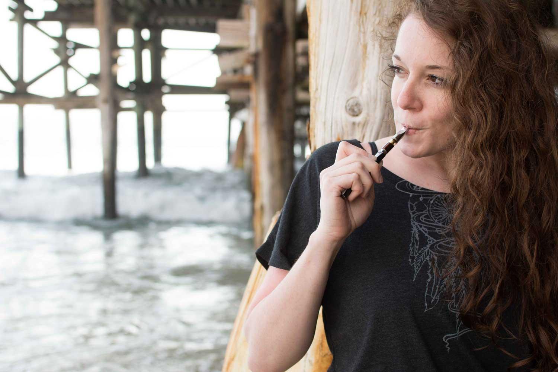 kristen-williams-chiefton-apparel-dreamcatcher-smoke-illustration-vaping-beach