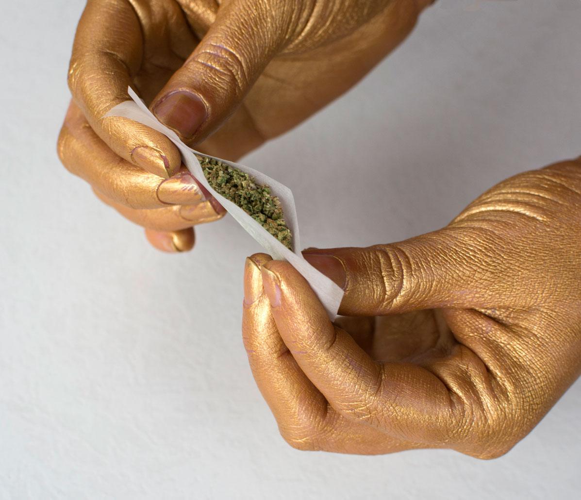joint-gold-hands-angle-greenandgold.jpg