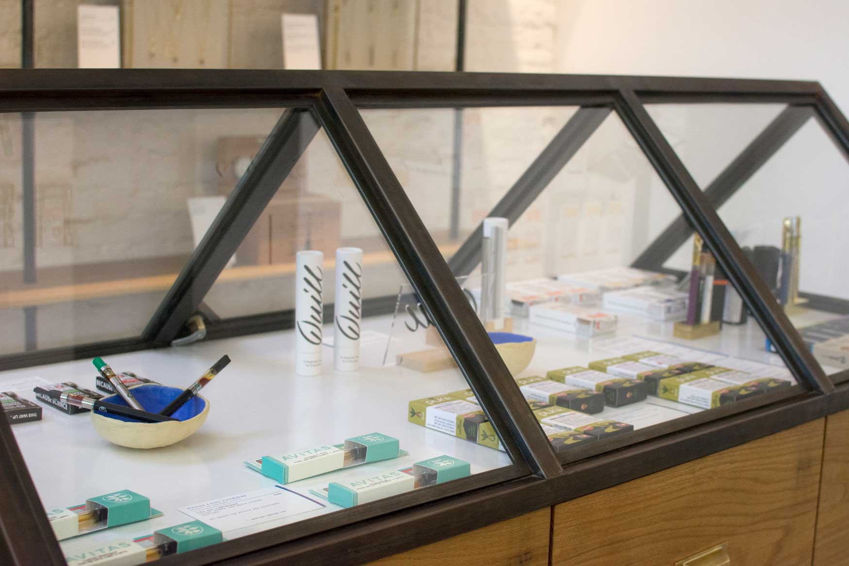 Concentrates and vaporizers display